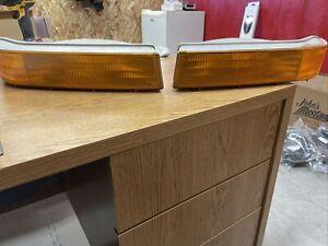 1992-96 L / R Ford Bronco F150 F250 F350 OEM Bumper Lights Turn Signal Lamps