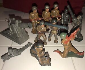 Lot Of 11 Pc Vintage Metal Lead Army Men Soldiers Toy Barclay? Cannon