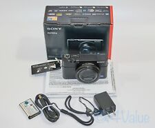L@@K! Sony RX100 IV camera, mint with box, Vello LCD protector
