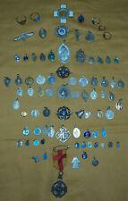 ensemble de 80 médailles religieuses