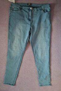 Ladies light wash skinny leg jeans plus size 20. Inside leg 30 inches