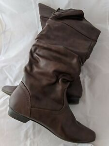 Women's Brown Tall Boots size 9 (A)