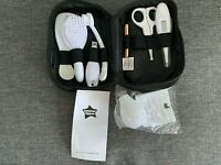 Baby Healthcare + Grooming Kit Tommee Tippee Pouch Set Brush Comb Thermometer