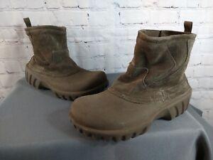 EUC unisex CROCS tan RUBBER & SUEDE rain boots - size MEN'S 9, WOMEN'S 11