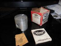 NOS Suzuki DS TC TS 185 Vintage Wiseco Piston Rings Circlips 176P4 176 P4 AHRMA