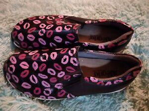 Alegria Slip On Clogs Womens Size 38 Pink Lips Leather Nurse Shoe