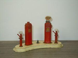 Petrol Pump Station Esso - Crescent Toys England *42484