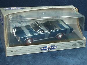 CLASSIC METAL WORKS 1966 PONTIAC GTO CONVERTABLE w DISPLAY CASE 1/24 BLUE/BLACK