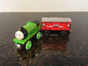 Thomas & Friends Wooden Railway-HARD AT WORK PERCY - 2003 W/MAIL CAR EUC
