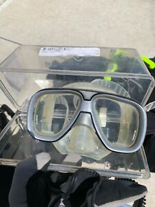 Aqualung Technisub Mask Clear with Black Excellent Scuba Snorkling Idea