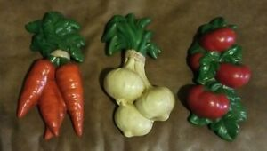 3 Raised Vegetables Wall Plaques Decor Carrots,  Tomatoes,