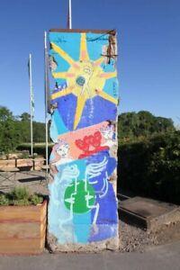 Kiddy Citny bemalte Berliner Mauer - Echtes Mauerelement -segment