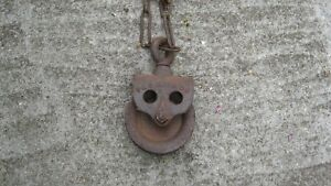 VINTAGE CAST IRON BARN/WELL PULLEY
