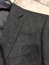NWT  Modern Fit Men's Multi Color  Herringbone Jacket Sport Carney 2BT. Size 42S