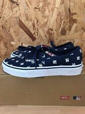 VANS AUTHENTIC MLB NEW YORK YANKEES NAVY SIZE 6 NEW IN BOX