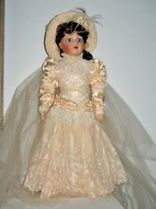 Babe Bru Bride Doll From Franklin Heirloom Hand Painted Face Beautiful Gown 57c