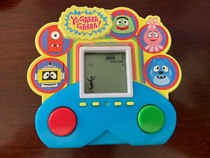 Yo Gabba Gabba! Zizzle Handheld Electronic Game 2009 Works! FREE SHIPPING! READ!