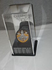 Boston Bruins 2011 Stanley Cup Champions Acrylic Finals Case Limited Puck Set