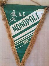 GAGLIARDETTO CALCIO UFFICIALE IN RASO A.C. MONOPOLI 1966