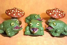 Dungeons & Dragons Miniatures Lot  Giant Frog Deathcap Mushrooms !!  s108