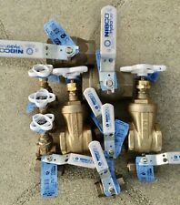 1 Lot - Bronze Ball & Gate Valves,12-Each, Threaded, New