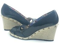 ANNE KLEIN Sunkiss1 Floral Black Wedge Espadrille Heel Sandals 8.5 S0201