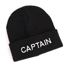El capitán de tejer sombrero