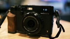 FUJI X100T BLACK WITH ACCESSORIES ONLY 7400 SHOTS - GOOD CONDITION