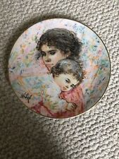 "Royal Doulton Collector Plate ""Marilyn and Child"" by Edna Hibel - # 9521"