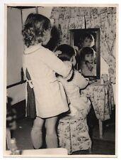 PHOTO Classe de Maternelle 1950 École Écolier Coiffeuse Cheveux Miroir Jeu Jouet