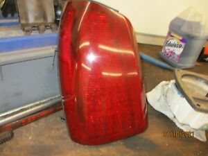 2000-2005 Cadillac Deville DHS DTS LEFT LH Tail Lamp Assembly Stop Light DRIVERS