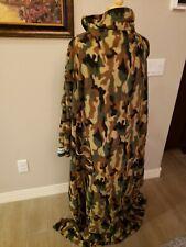 Rare Camo Snuggie Adult Camouflage 2 Pockets Very Good Condition Fleece B