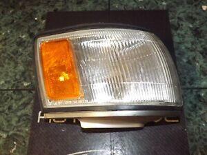 OEM 90-91 USDM Lexus ES 250 ES250 V20 front right corner light lens FR 32-78 CV1