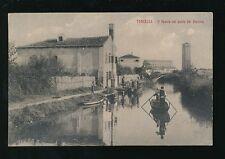 Italy TORCELLO Il canale col ponte del Diavolo LOCAL WORKERS c1910/20s? PPC