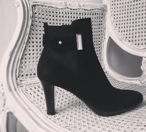 Russell and Bromley Ruby-Dry Black Suede Ankle Boots 38.5 UK 5.5