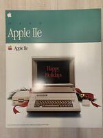 Apple Computer Apple IIe Unfolded Christmas Sleeve Box Dealer Vintage 1985 Rare!