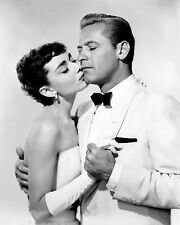 "AUDREY HEPBURN AND WILLIAM HOLDEN IN ""SABRINA"" - 8X10 PUBLICITY PHOTO (AB-515)"