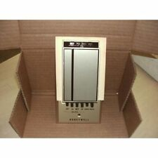 * Honeywell T694B10941 Heat/Cool Thermostat Zd-003