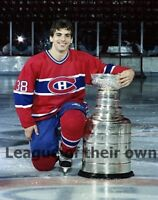 Montreal Canadiens Chris Chelios with Stanley Cup Color 8 X 10 Photo Picture