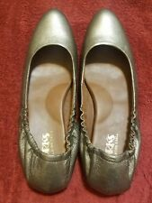 KORK EASE BRONZE LEATHER FLATS SIZE 9