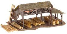 Faller 130288 H0, Holzlager, mit Stämmen, Balken, Brettern, Epoche I, Neuware