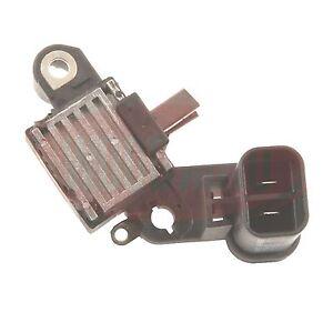Hitachi LR160 12v Alternator Voltage Regulator Nissan VRG46845 L1703315