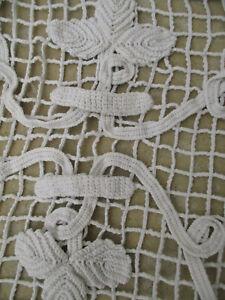 Petit rideau ancien 1920 fait main au crochet motif vigne 46 cm x 40 cm