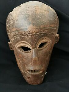 Extremely rare and antique mask of the Rungu tribe, see expert's report