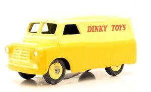 DINKY TOYS 482 BEDFORD 10CWT VAN (3R)