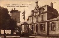 CPA Mehun-sur-Yevre Place du Chateau, Ecole de Filles, Statue de Jean (613053)