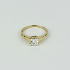 10k Yellow Gold and Princess Cubic Zirconia Solitaire Engagement Ring Size 7