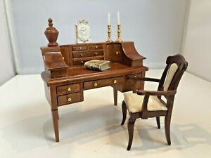 Quality Dolls house 1/12 Study Library Desk Glenowen Chair & Accessories F661