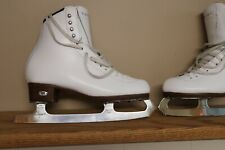 Riedell Diamond Womens Size 7 Wide ice skates with Ll Bean Carrying Case