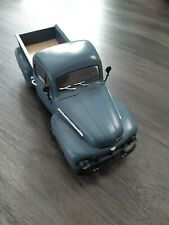 1:18 Scale 1951 Ford F1 Pick Up Truck